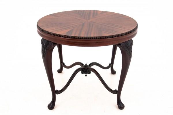 zabytkowy stolik z okrągłym blatem