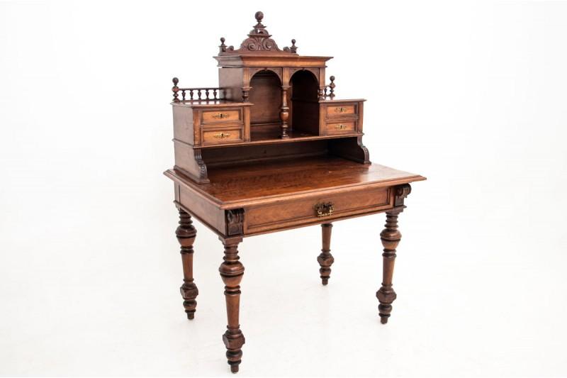biurko z nadstawką