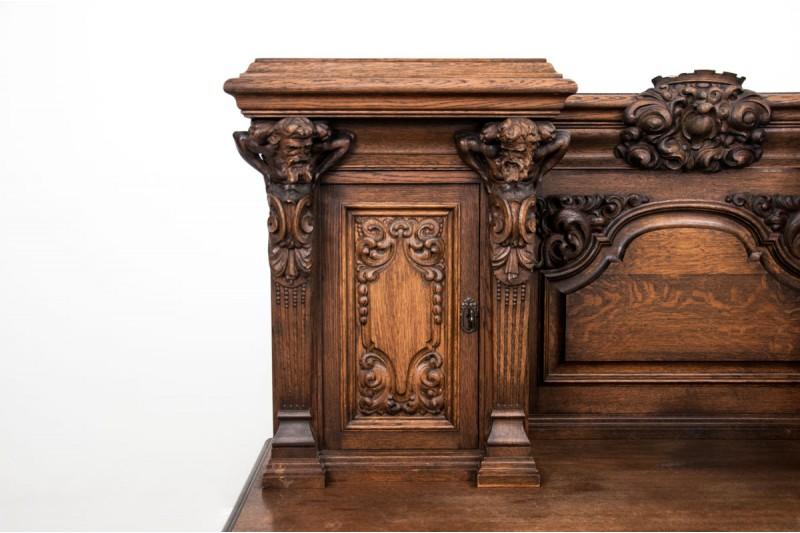 rzeźbione biurko