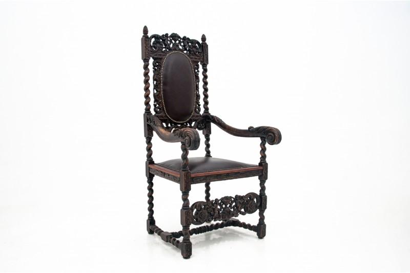 Rzeźbiony fotel z połowy XIX wieku. Antyk. PO RENOWACJI.