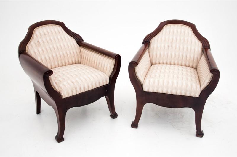 Stylowe fotele Biedermeier z przełomu XIX i XX w