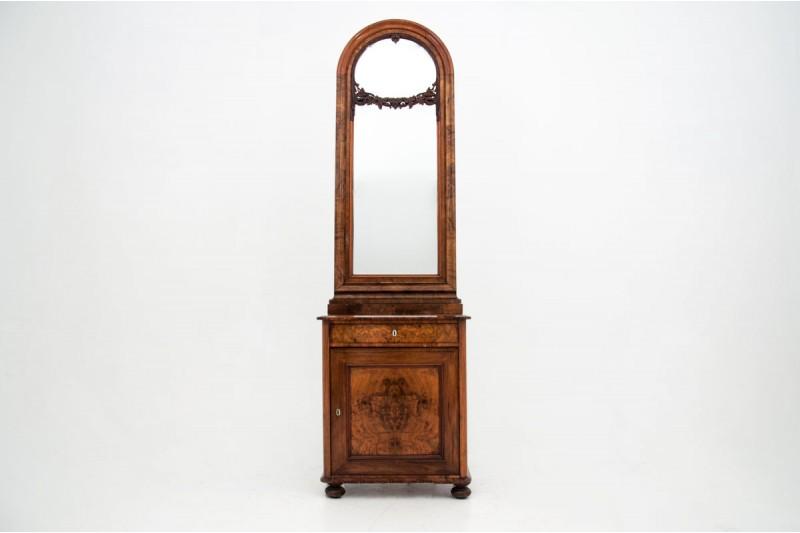 Zabytkowa komoda z lustrem z około 1910 roku