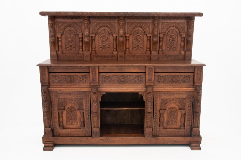 Zabytkowa komoda z pierwszej połowy XIX wieku