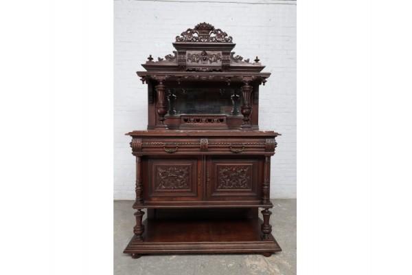Antike Kommode aus der Renaissance um 1870. Kundenspezifische Möbel.