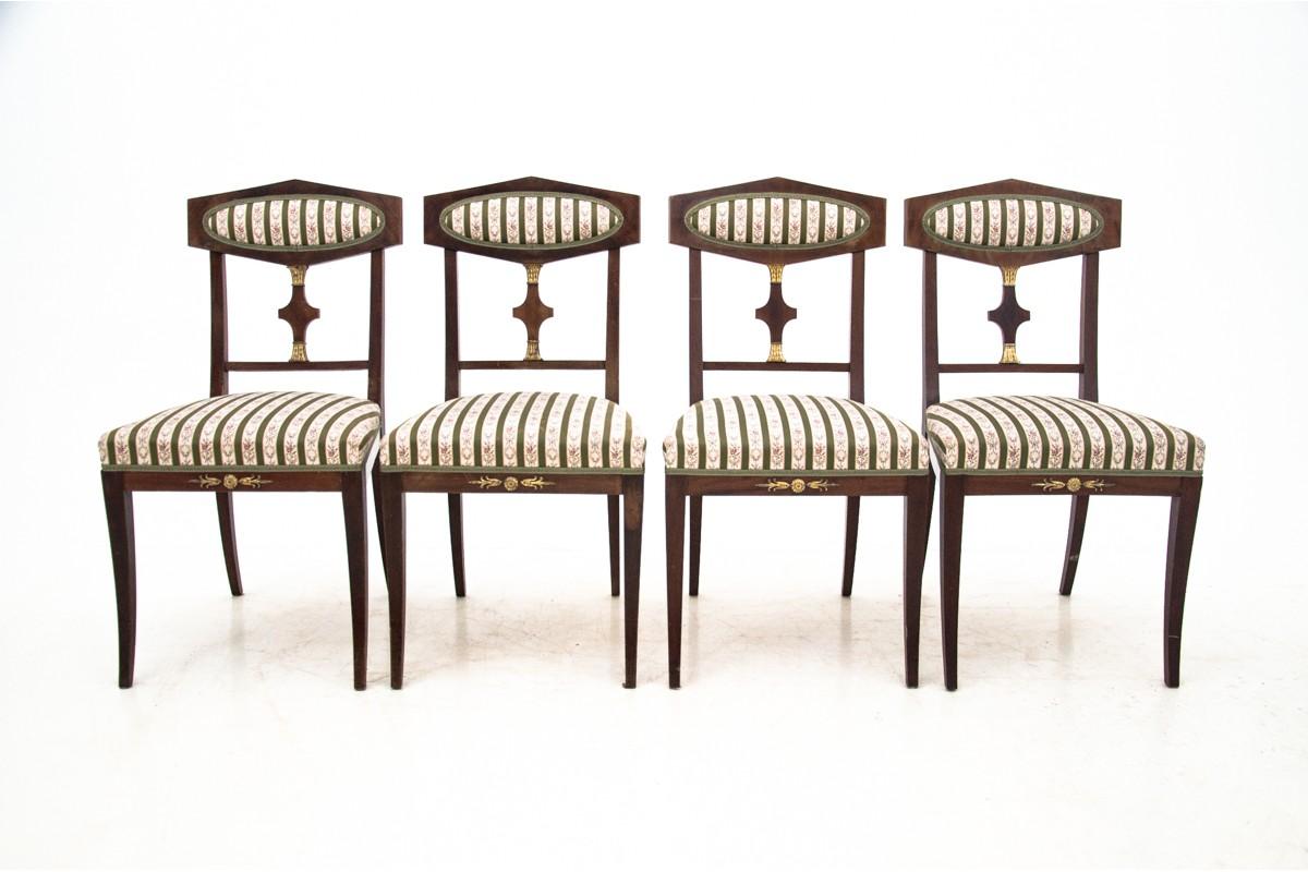 Eine Reihe Antiker Stuhle Aus Der Zeit Um 1900