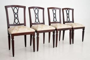 antyczne krzesła